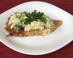 Filet-drobiowy-zapiekany-z-warzywami-i-serem-mozzarella