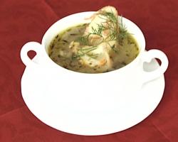 Zupa-francuska-cebulowa-z-grzanką-i-serem